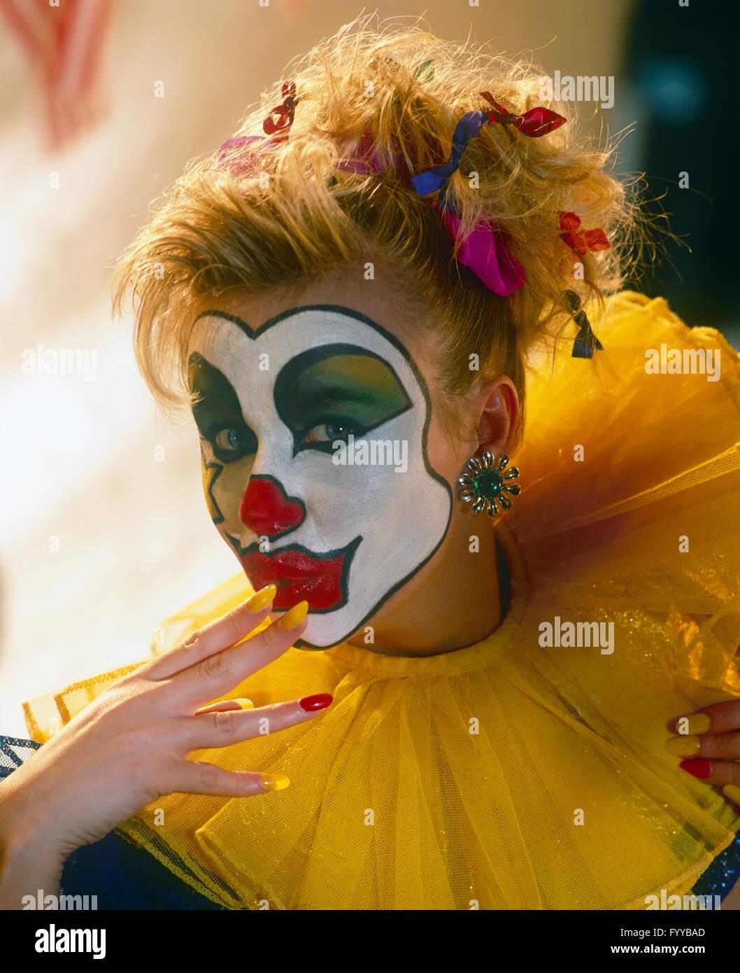 clown face paint instructions
